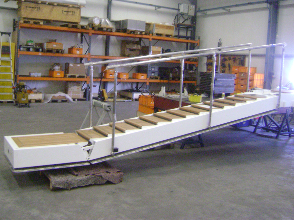 Side boarding ladder Cloud9