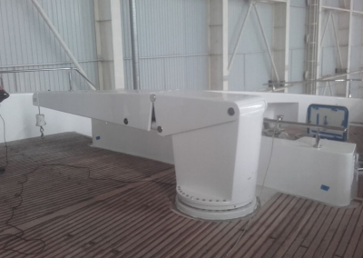 Hydromar deck crane